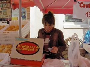Chablis-market-vendor