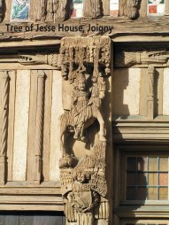 Joigny-carving