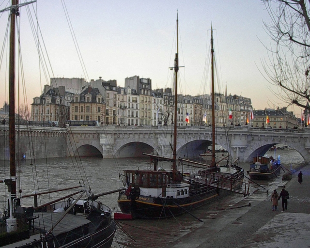 Dawn-at-the-Pont-Neuf