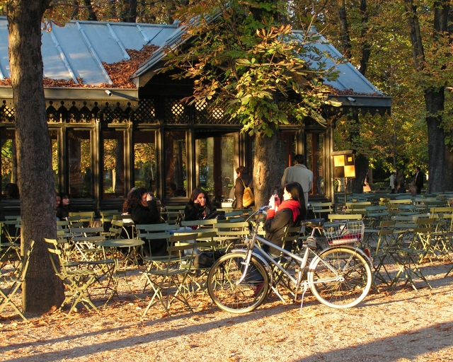 Luxembourg-Gardens-cafe