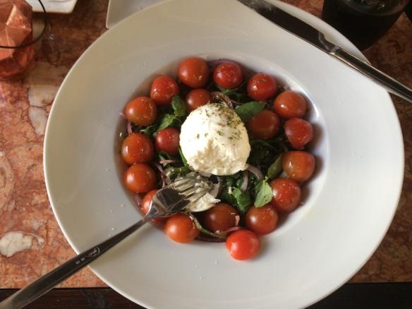 mozzarella-and-tomatoes