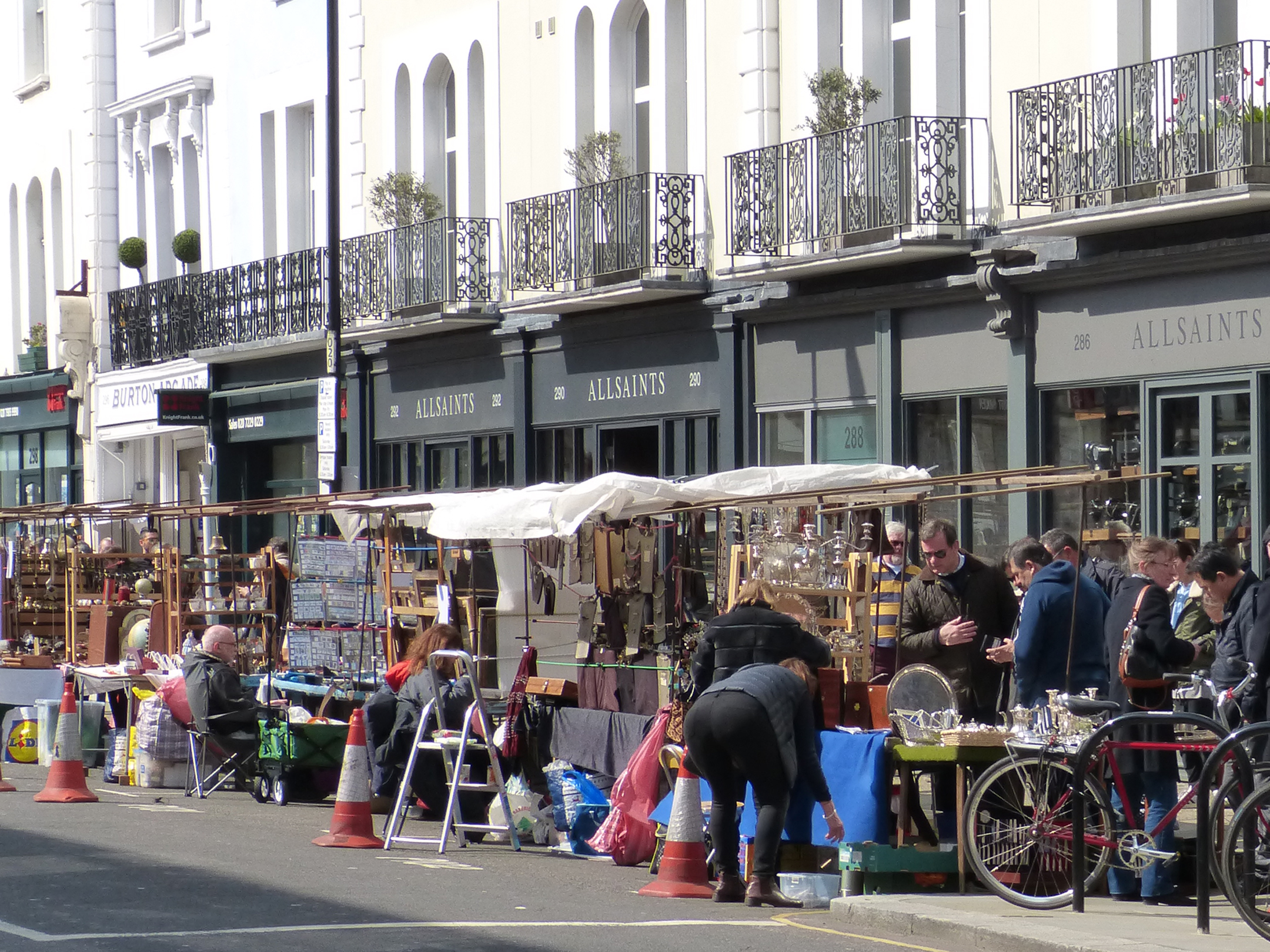 london portobello road market in my suitcase little known places to discover. Black Bedroom Furniture Sets. Home Design Ideas