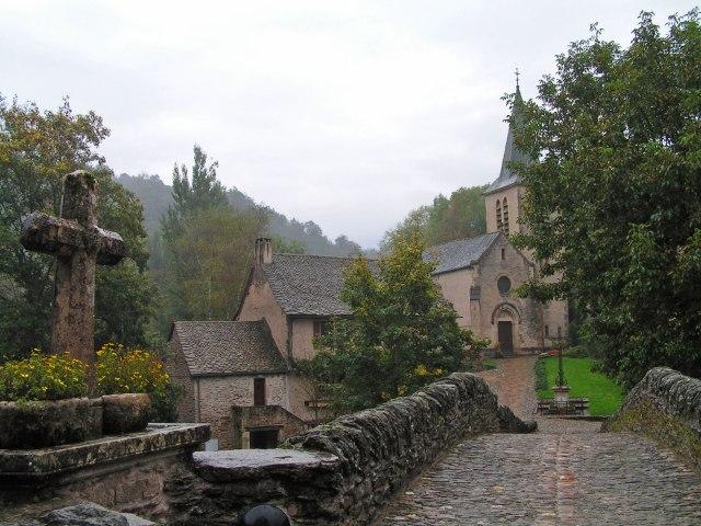 belcastel-bridge-and-church