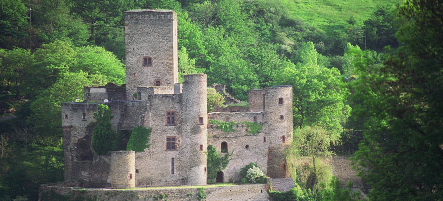 chateau-belcastel