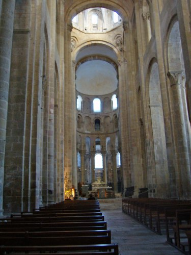interior,-abbey-St-Foy-Conques