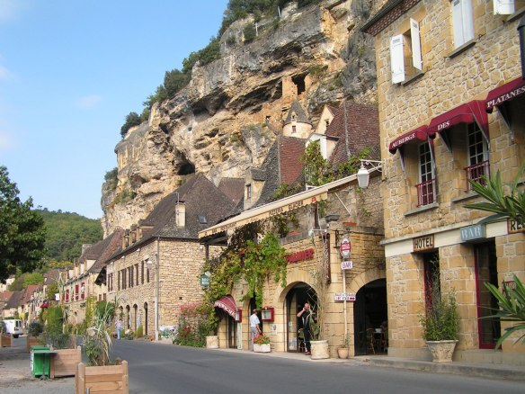 le-roque-gageac-street