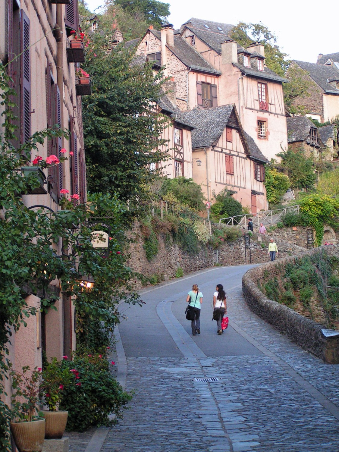 Pilgrims-in-Conques